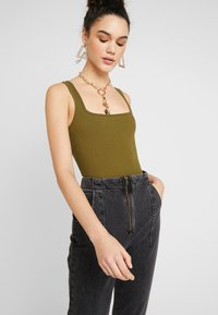 Topshop - DART MOM - Džíny Relaxed Fit - washed black - 3