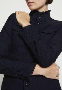 G-Star - WESTERN SLIM FRILL DRESS - Skjortekjole - rinsed - 5