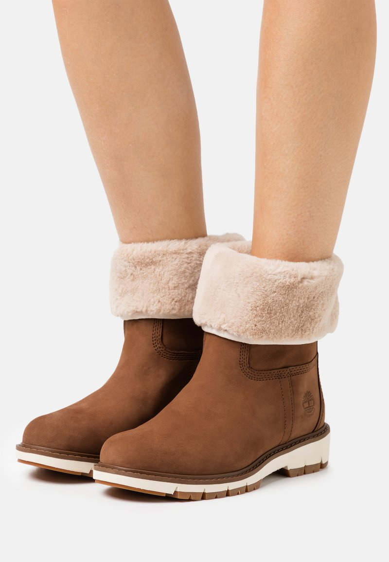 Timberland - LUCIA PULL ON WP - Winter boots - rust