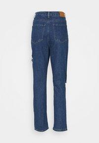 Missguided Petite - THIGH AND KNEE SLIT - Džíny Straight Fit - dark-blue denim - 6
