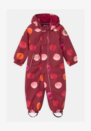 WINTER PUHURI UNISEX - Snowsuit - lingonberry red