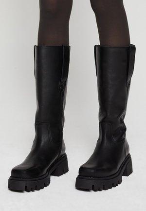 SKWARE - Platform boots - black
