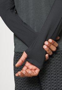 Nike Performance - Funktionsshirt - dark smoke grey/black/silver - 5