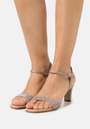 MECHI - Sandals - mumm