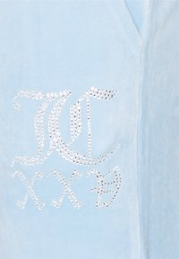Juicy Couture - NUMERAL TRACK PANTS - Joggebukse - powder blue - 9