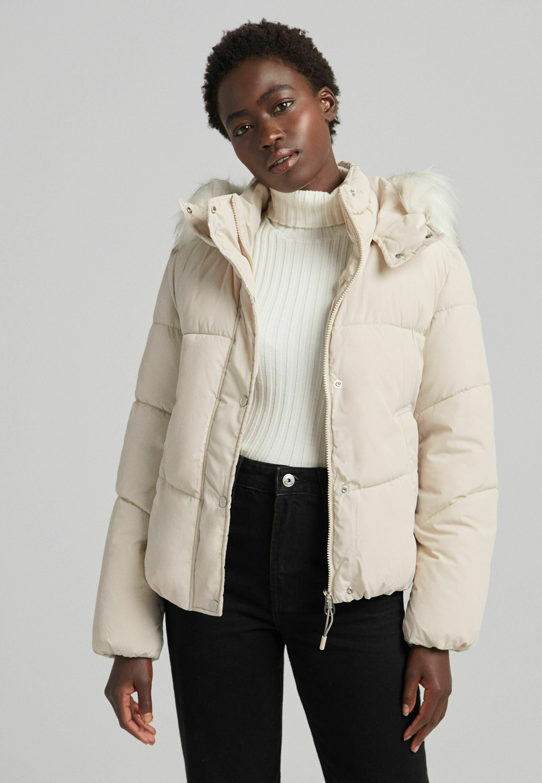 Femme MIT KAPUZE UND KUNSTFELLBESATZ - Veste d'hiver