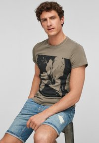 Q/S designed by - Print T-shirt - brown placed print - 5