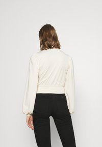 Nly by Nelly - KEYHOLE FRONT - Long sleeved top - champagne - 2