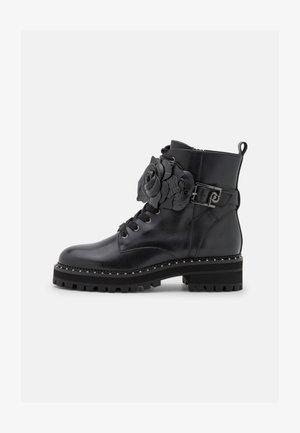BOOTIE - Šněrovací kotníkové boty - black