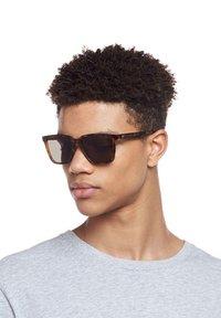 Le Specs - FAIR GAME - Sunglasses - milky tort - 1