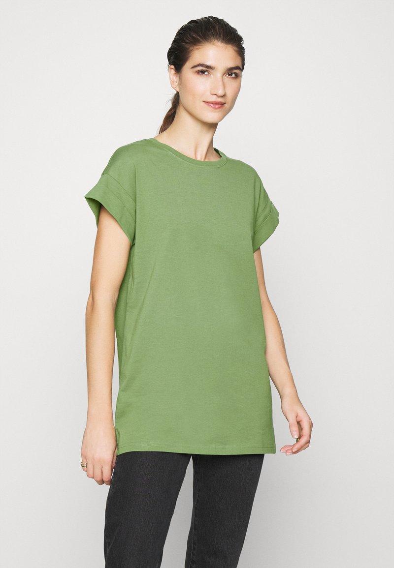 Moss Copenhagen - ALVA PLAIN TEE - Jednoduché triko - evergreen