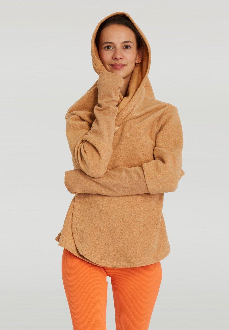 Yogasearcher - SUPTA - Hoodie - beige