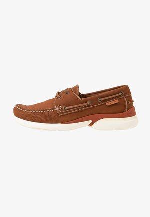 JACKE 1 - Boat shoes - tabacco