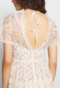 Needle & Thread - RUFFLE GLIMMER DRESS - Vestido de cóctel - offwhite - 4
