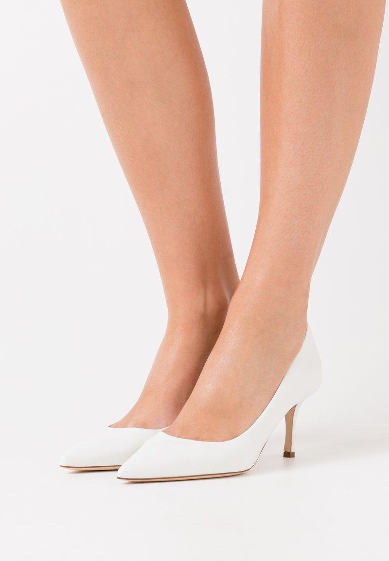 WEEKEND MaxMara - ORIETTA - Classic heels - weiß