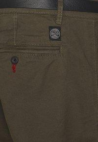 Shine Original - MEN'S WITH BELT - Chino kalhoty - army - 2