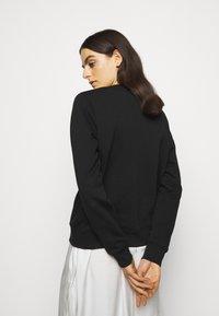 KARL LAGERFELD - RHINESTONE SIGNATURE - Sweatshirt - black - 2