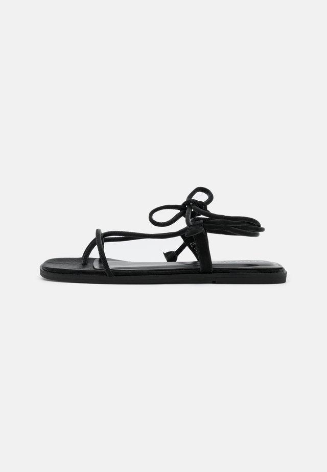 VMFLOW - T-bar sandals - black