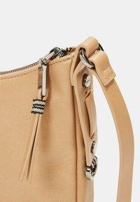 Esprit - Across body bag - camel - 7