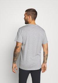 Haglöfs - CAMP TEE  - T-shirt med print - grey melange/true black - 2