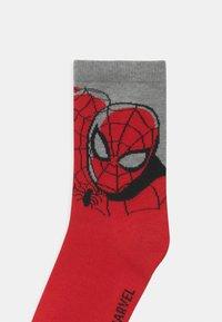 GAP - BOY MARVEL SUPERHEROES 3 PACK UNISEX - Socks - multi-coloured - 2