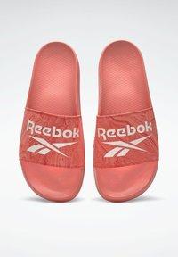 Reebok - FULGERE - Chanclas de baño - red - 5