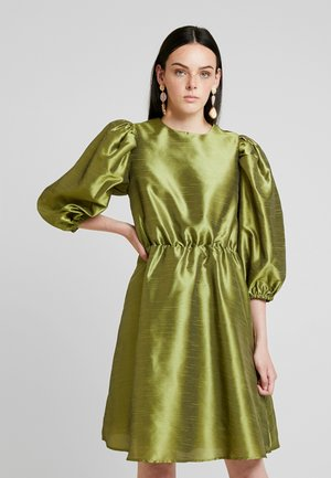 VOLUME DRESS - Robe de soirée - olive