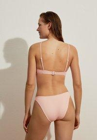 OYSHO - Bikini pezzo sopra - rose - 2