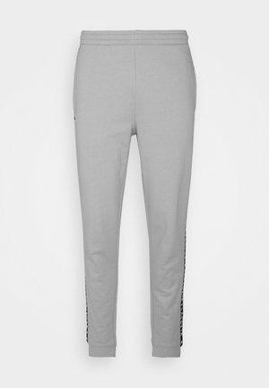 PANT TAPERED - Teplákové kalhoty - elephant grey