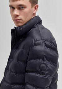 PULL&BEAR - Winter jacket - black - 3