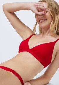 OYSHO - Bikiniöverdel - red - 3