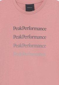 Peak Performance - GROUND TEE UNNISEX - Triko spotiskem - warm blush - 2