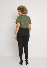 Missguided Plus - LAWLESS HIGHWAISTED SUPERSOFT - Jeans Skinny Fit - black - 2