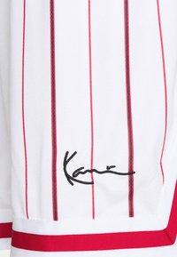 Karl Kani - SMALL SIGNATURE PINSTRIPE  - Shorts - white - 5