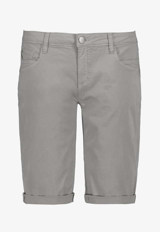 CHINO-BERMUDA - Jeans Shorts - light-grey