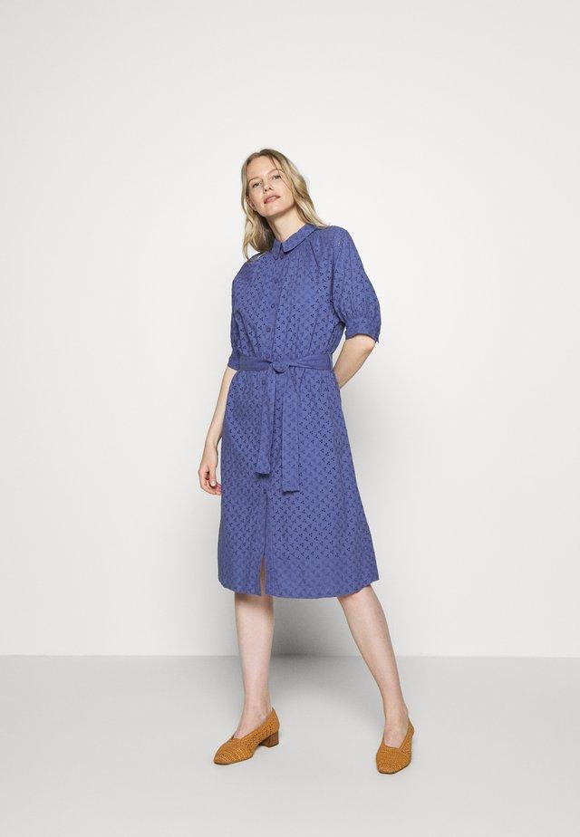 DINE - Shirt dress - marlin