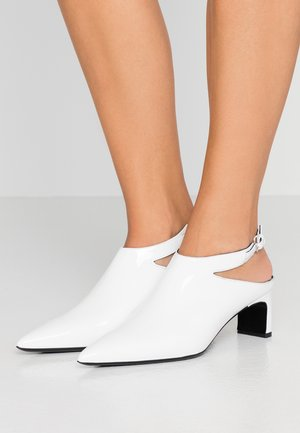 VISION OPEN - Classic heels - white