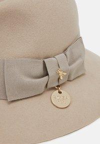 Patrizia Pepe - Hat - camel beige - 3