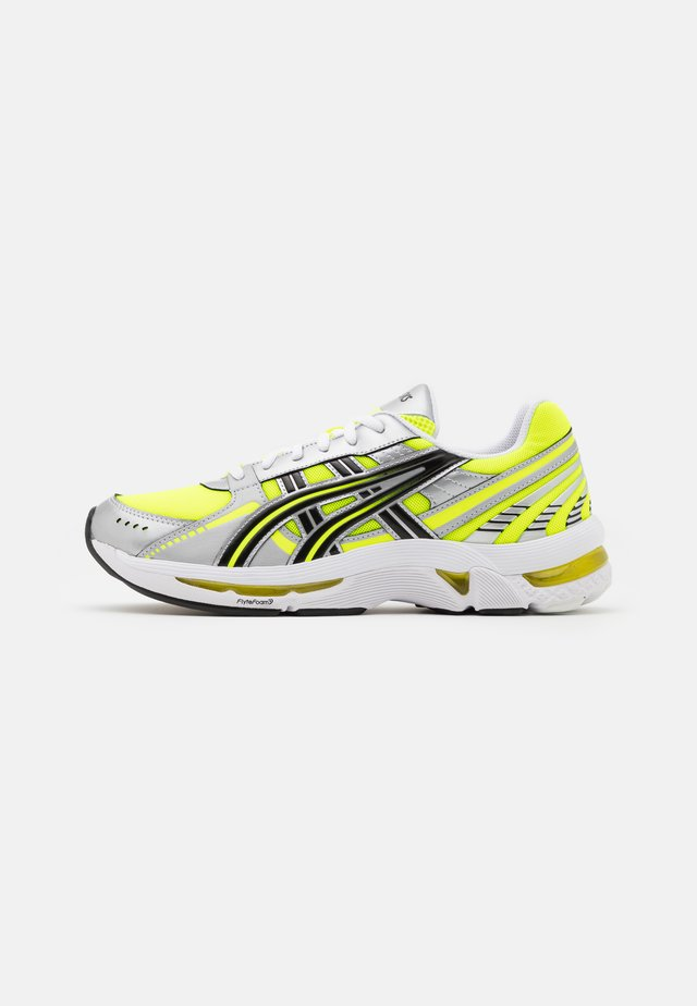 GEL KYRIOS UNISEX - Sneakers laag - safety yellow/black