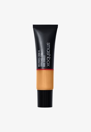 STUDIO SKIN FULL COVERAGE FOUNDATION - Foundation - 3,15