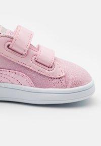 Puma - SMASH GLITZ GLAM - Baskets basses - pink lady - 5