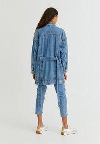 PULL&BEAR - Veste en jean - blue - 8