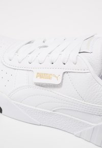 Puma - CALI - Sneakersy niskie - white/black - 2