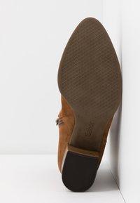 Gabor Comfort - Cowboy/biker ankle boot - cognac - 6