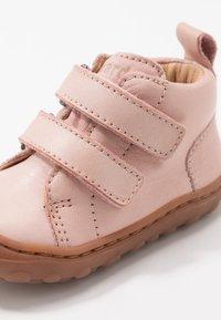 Bisgaard - GERLE  - Zapatos de bebé - nude - 2