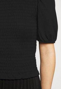 Pieces Petite - PCTINNA SMOCK  - Print T-shirt - black - 5