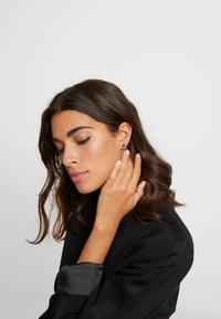 ALDO - LAREANNA 6 PACK - Earrings - medium green - 1