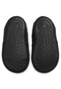 Nike Sportswear - FORCE 1 CRIB - Chaussures premiers pas - black - 2