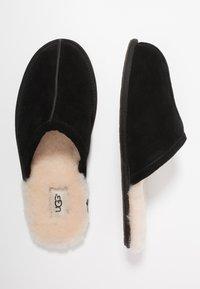 UGG - SCUFF - Domácí obuv - black - 1