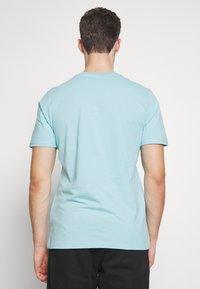 Carhartt WIP - Basic T-shirt - window - 2